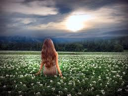 Girl_in_flower_field_meloncholly