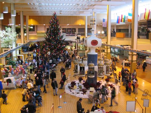 Mall_at_Christmas