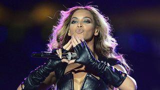Beyonce_hand_signal