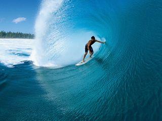 8589130591823-surfing-waves-wallpaper-hd