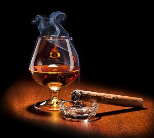 Conac_and_cigar