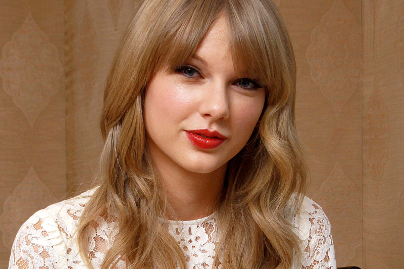 Taylor-swift-hairstyles-tutorial