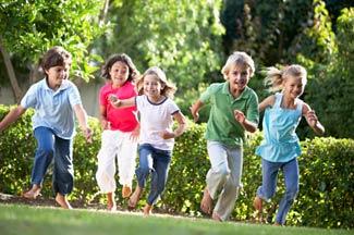 Happy-running-kids