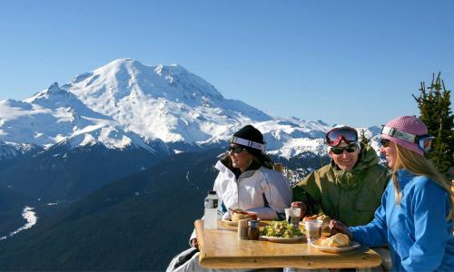 Rainier-Dining-2