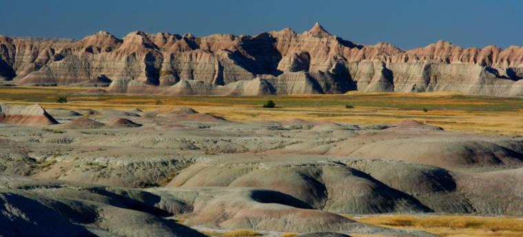 Badlands-yellow-mounds001